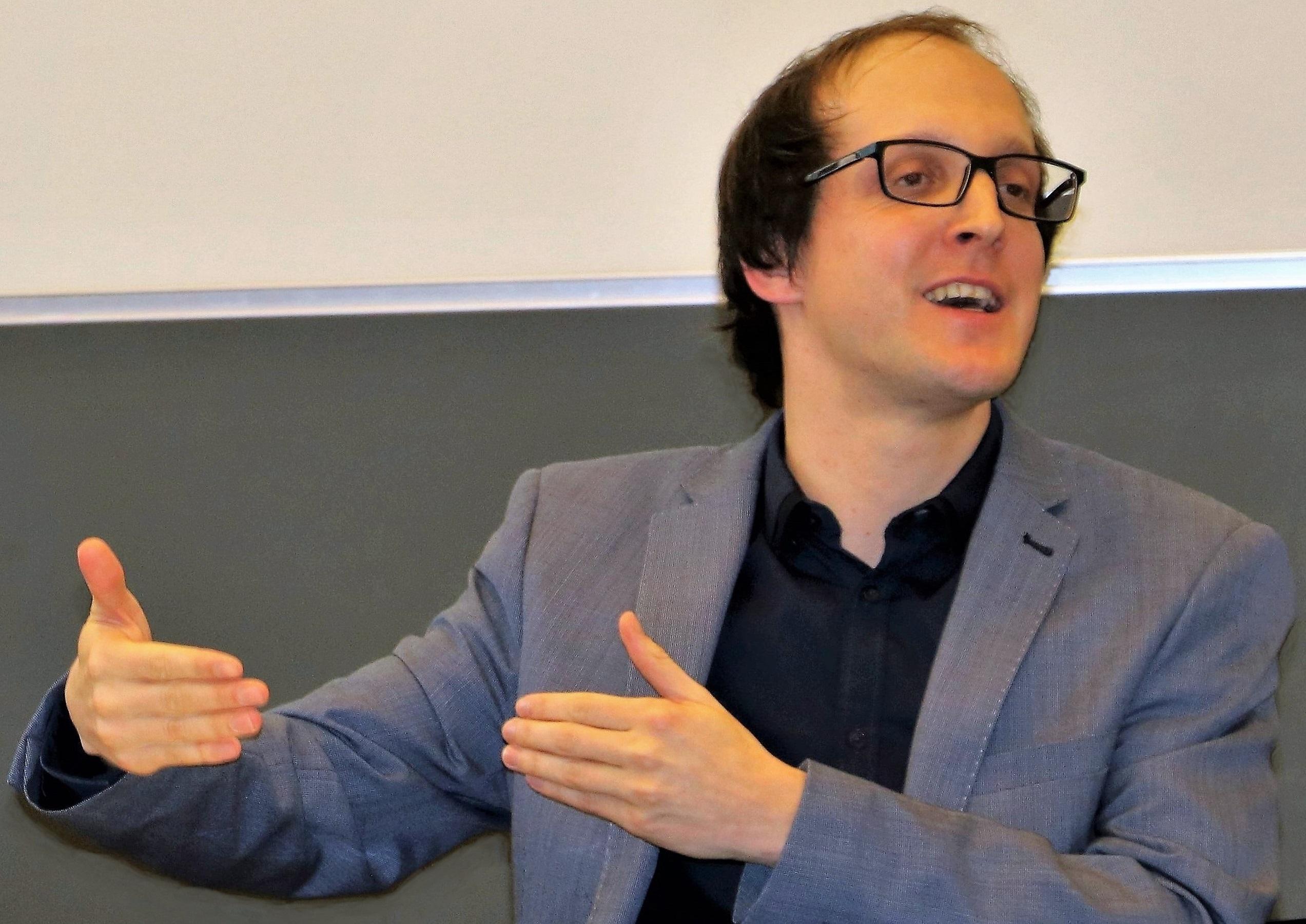 Dr. des. Tizian Zumthurm